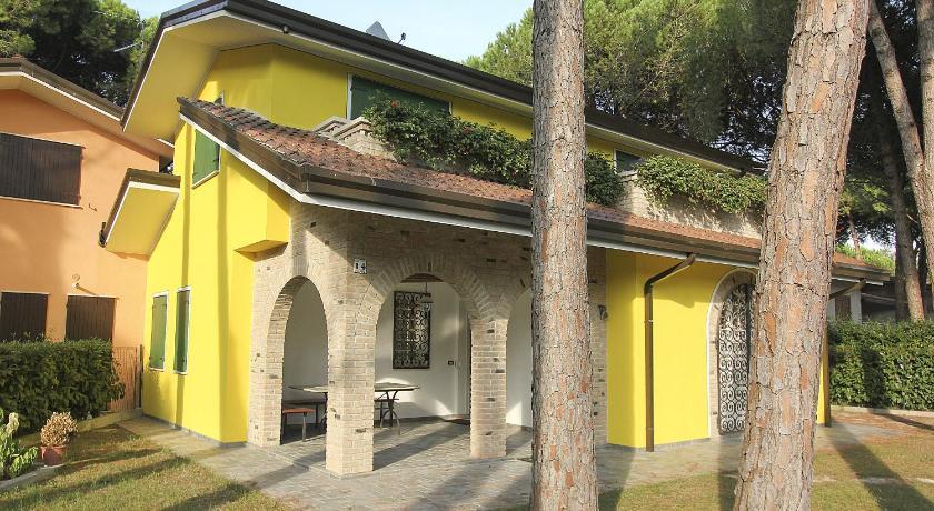 Villa Yellow (Lignano)