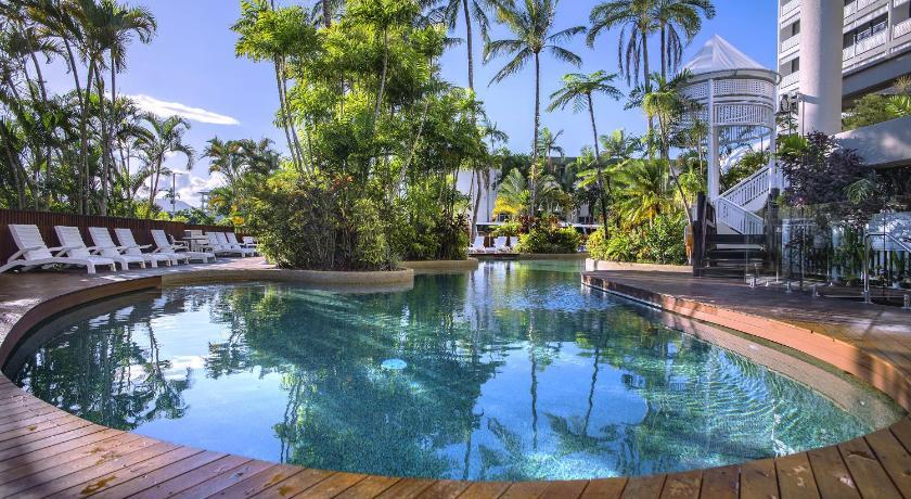 Hotel Rydges Esplanade Cairns