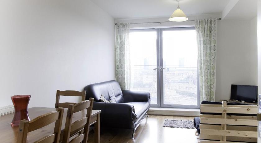 Tower Hamlets Apartments (London)
