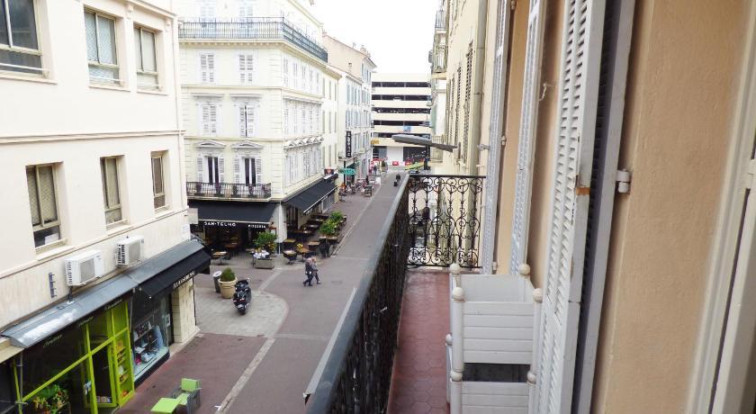 Proche Palais HV6 (Cannes)