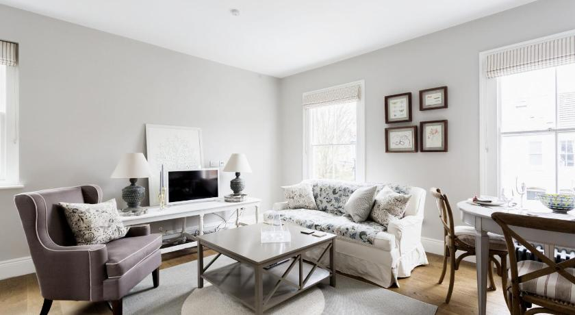 London Escorts Near onefinestay - Chelsea apartments II