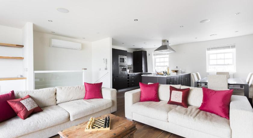 London Escorts Near onefinestay - Pimlico apartments