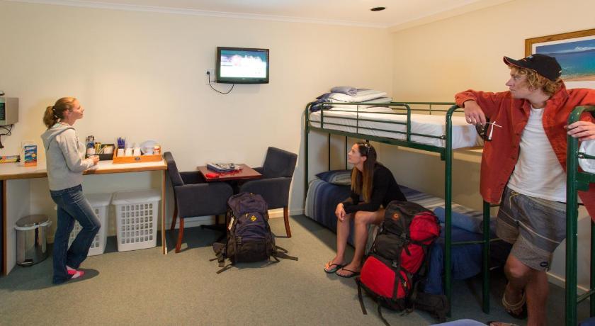 Hostel Adventure Backpackers