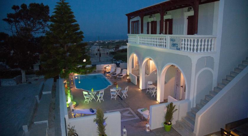 Villa Anto, Villa, Mesa Katikies, Fira, 84700, Greece