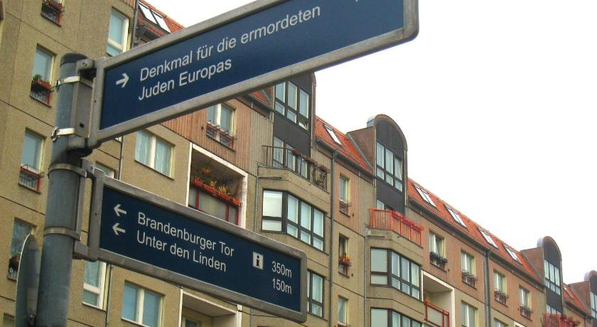 Am Brandenburger Tor III (Berlin)