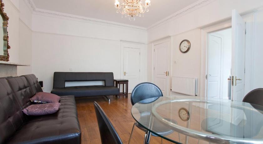 London Escorts Near Apartment Vicarage