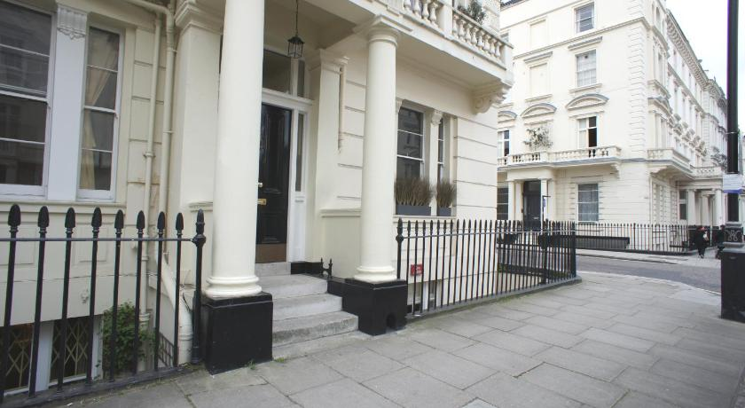 London Escorts Near London Victoria Apartment - Brompton House