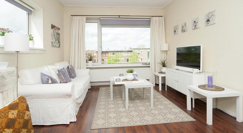Apartment Dorpsweg (Rotterdam)