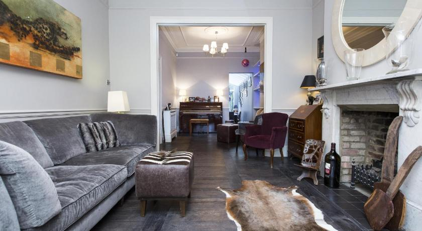 London Escorts Near onefinestay - Clapham apartments