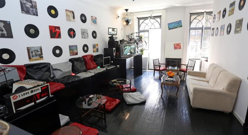 World Music Hostel (Porto)