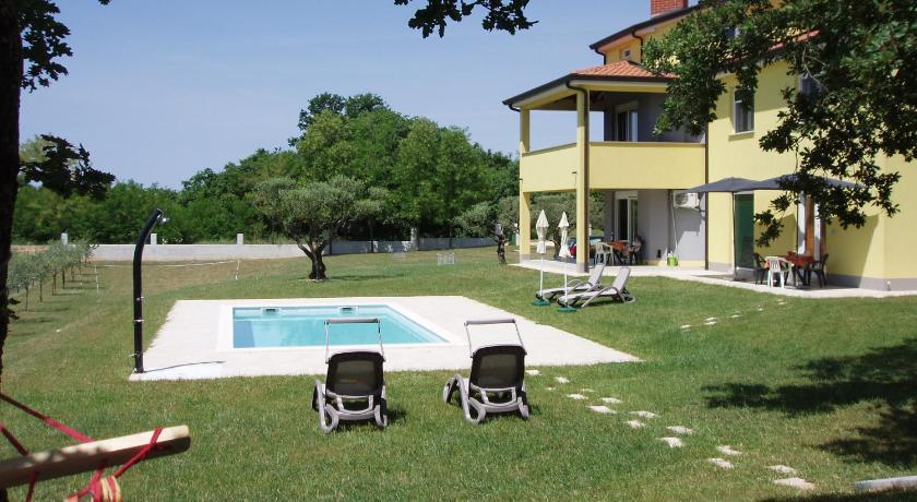 Villanova Apartments (Porec)