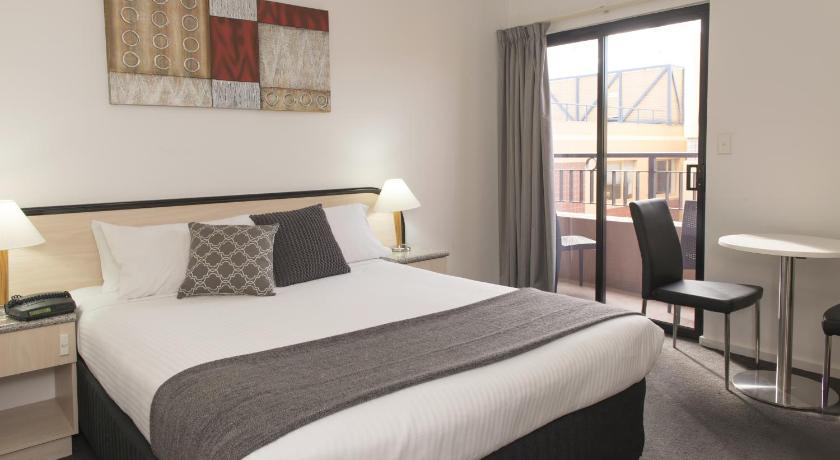 Hotel Comfort Adelaide Riviera