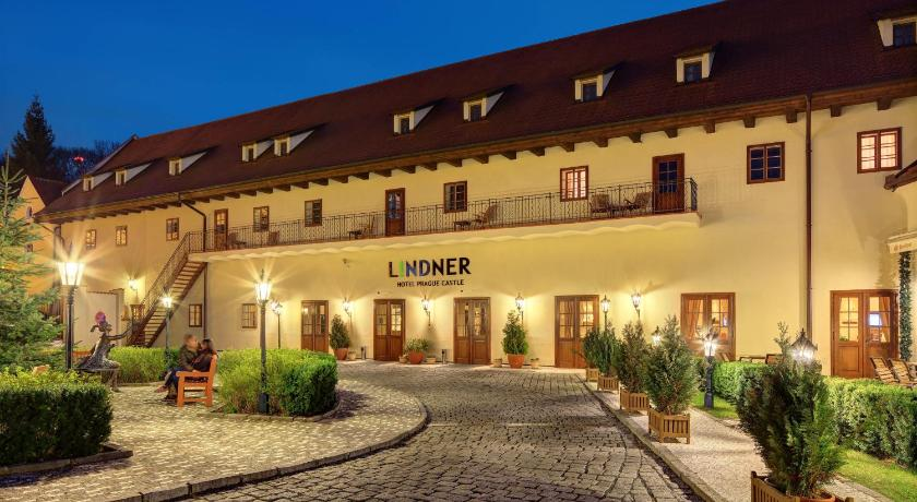 Lindner Hotel Prague Castle in Prag