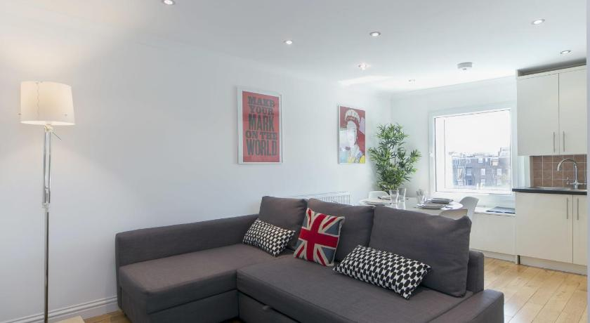 London Escorts Near FG Property - Earls Court, Hogarth Road, Flat 11