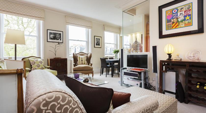 London Escorts Near Apartment Gledhow Gardens - Kensington