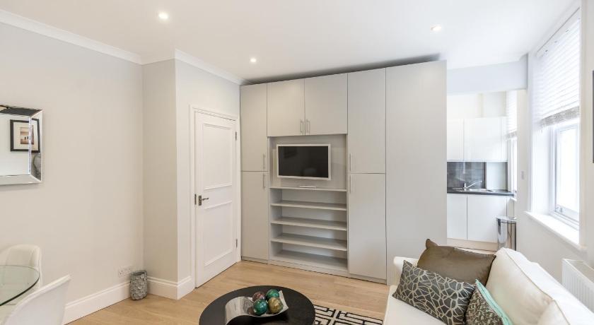 London Escorts Near High Street Kensington Apartment