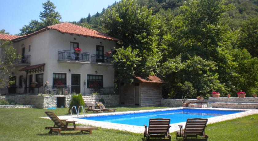 Agrampeli, Hotel, Megalo Chorio, Karpenissi, 36076, Greece