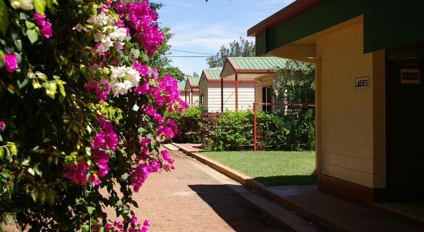 Resort Village Mount Isa Caravan Park