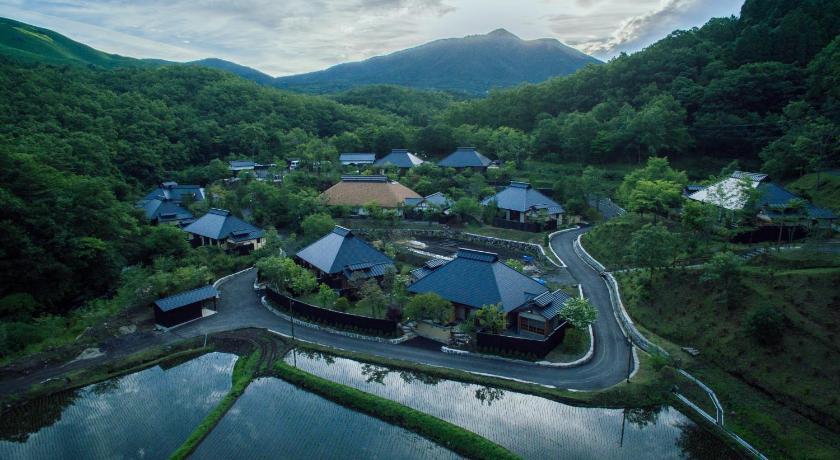 深山山荘 (南小国町) - Booking....