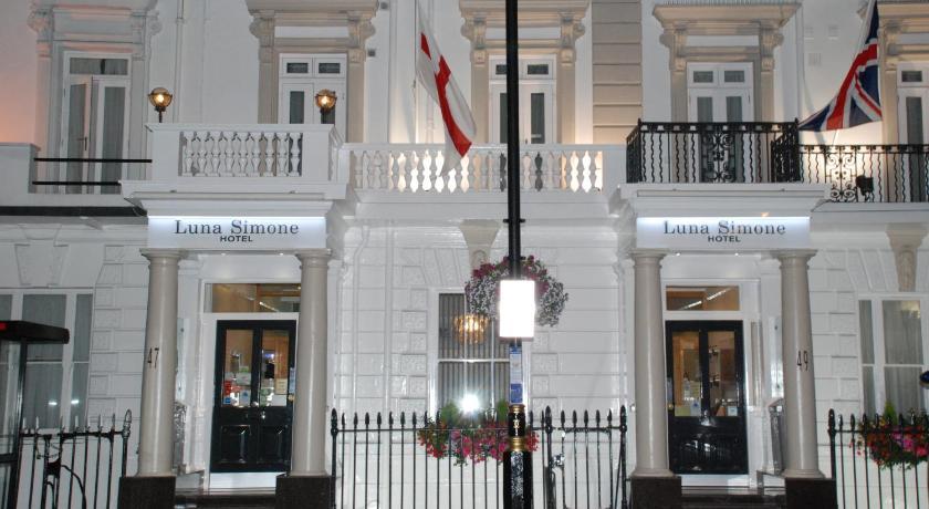 London Escorts Near Luna And Simone Hotel
