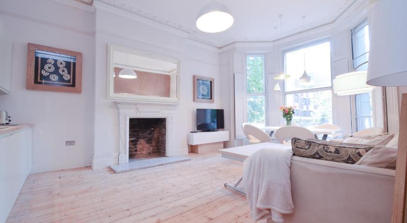 London Escorts Near Luxury designer flat Holland Park