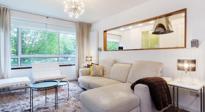 London Escorts Near Apartment Willesden Lane