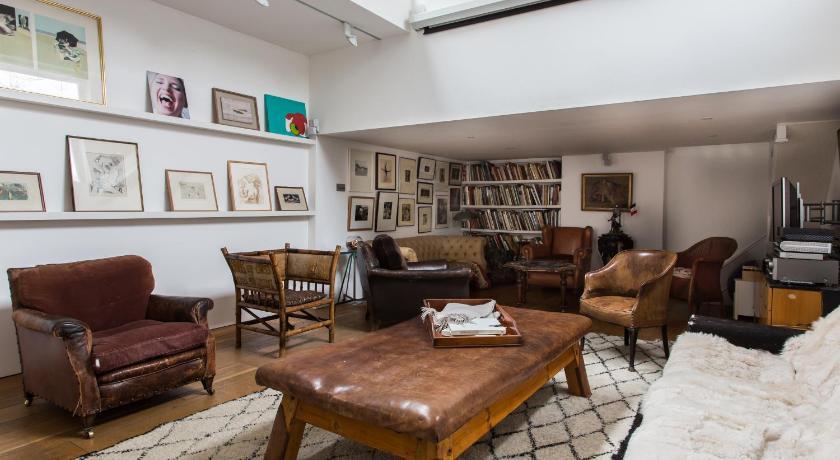 London Escorts Near onefinestay - Chelsea apartments III