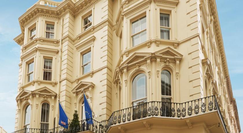 London Escorts Near Kensington House Hotel