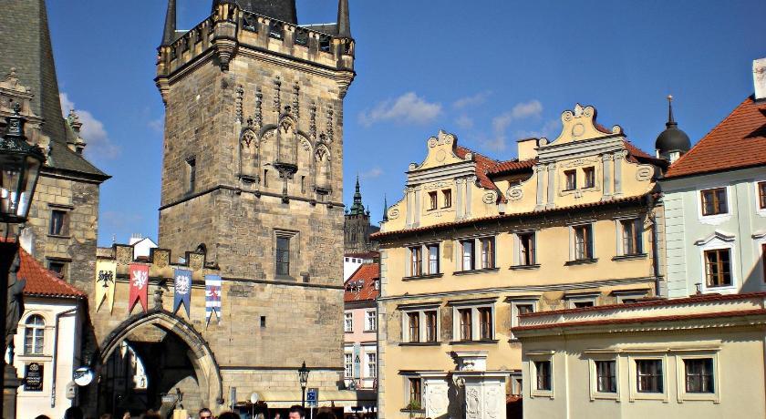 Hotel U 3 Pstrosu (Prag)