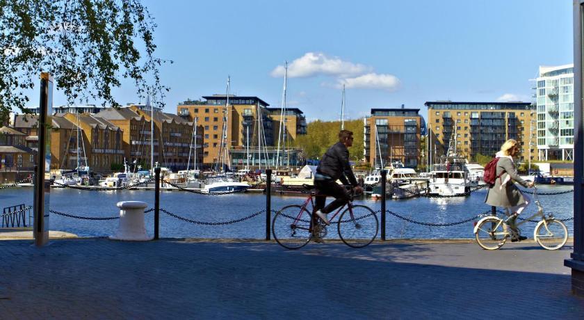 London Escorts Near Via Limehouse Hostel