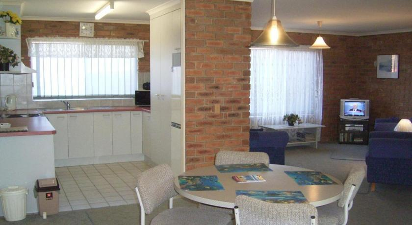 Fronds Holiday Apartments