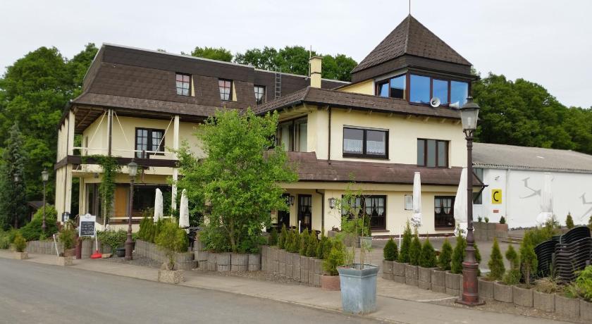 landhotel zum doppeldecker deutschland kirchen. Black Bedroom Furniture Sets. Home Design Ideas