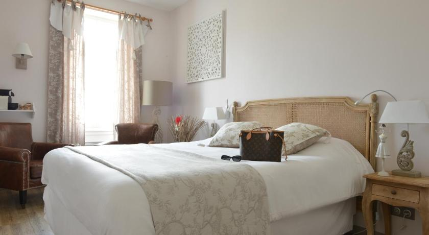 Grand hotel des bains fouras france for Hotel fouras grand hotel des bains