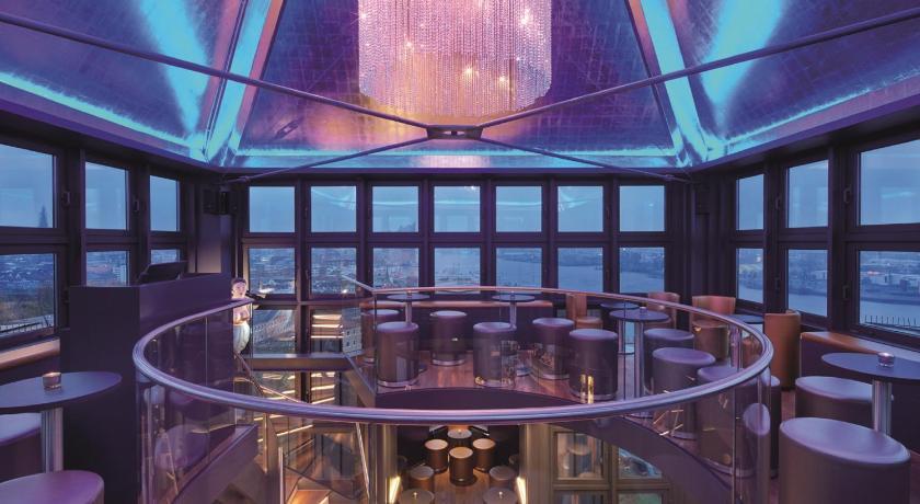 hotel hafen hamburg hotel r. Black Bedroom Furniture Sets. Home Design Ideas