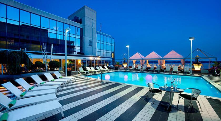 Hotels Near Queens Quay West Toronto