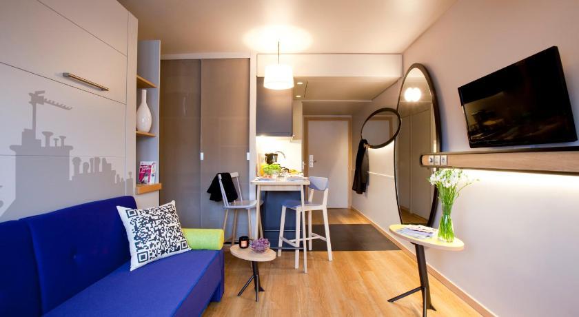 Aparthotel adagio access colombes l for Reservation hotel adagio
