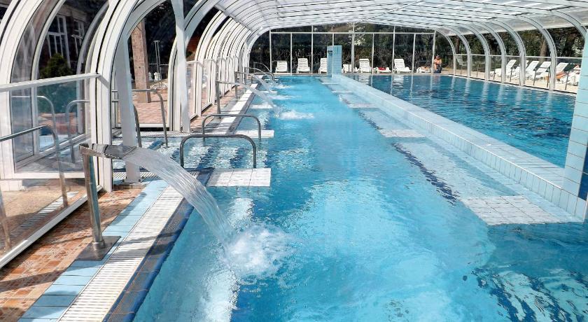Aquamarin Hotel 3* на озере Хевиз