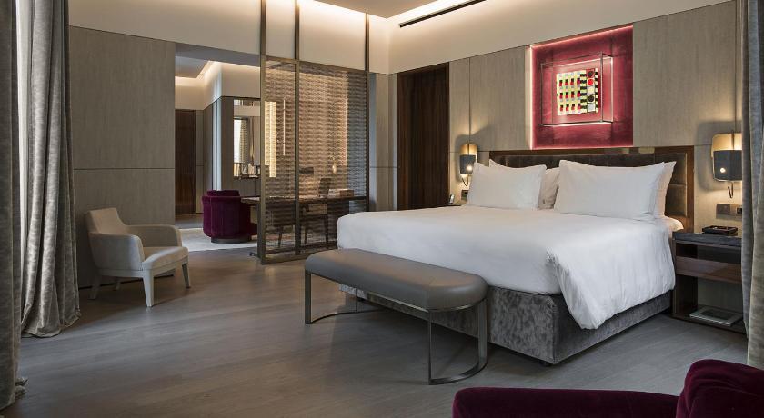 H tels de charme rome 3 adresses romantiques et for Charme design boutique hotel favignana