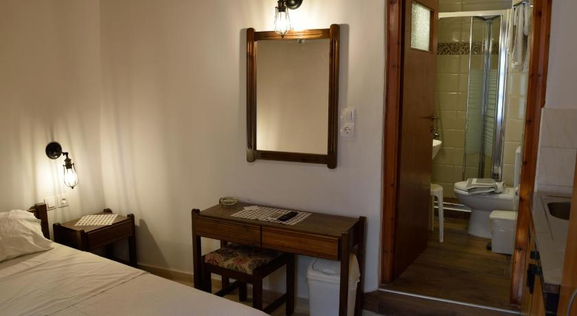 Isidora Rooms, Room, Mavili 1, Rethymno, Crete, 74100, Greece