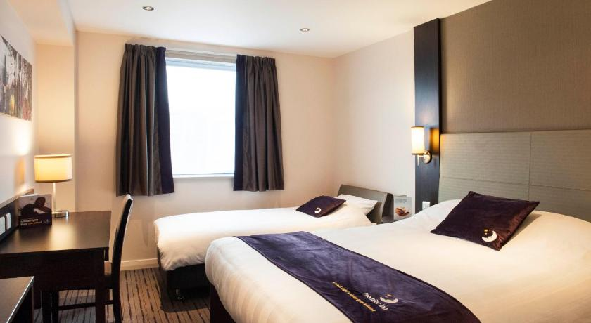 Premier inn london tottenham hale including photos for Design hotel oxford