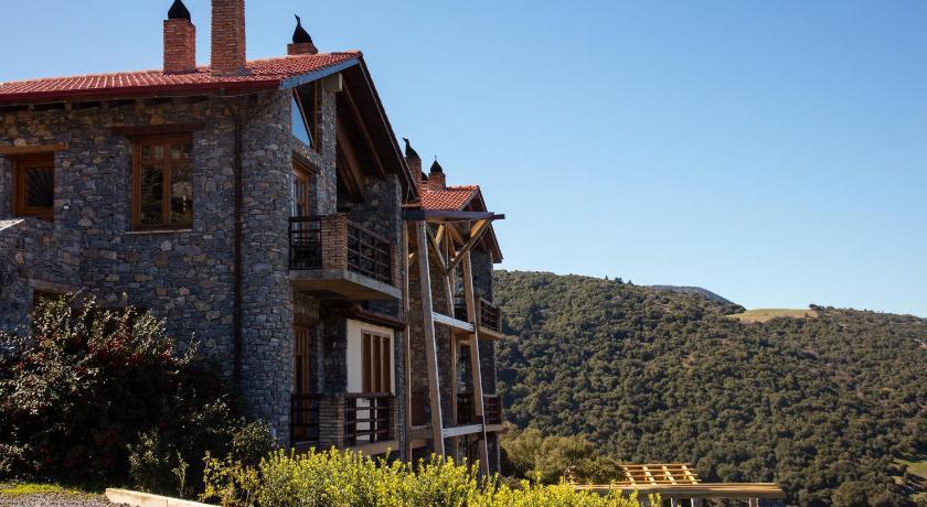 Chalet Azanias, Hotel, Kalavryta, Achaia, Peleponesse, 25001, Greece