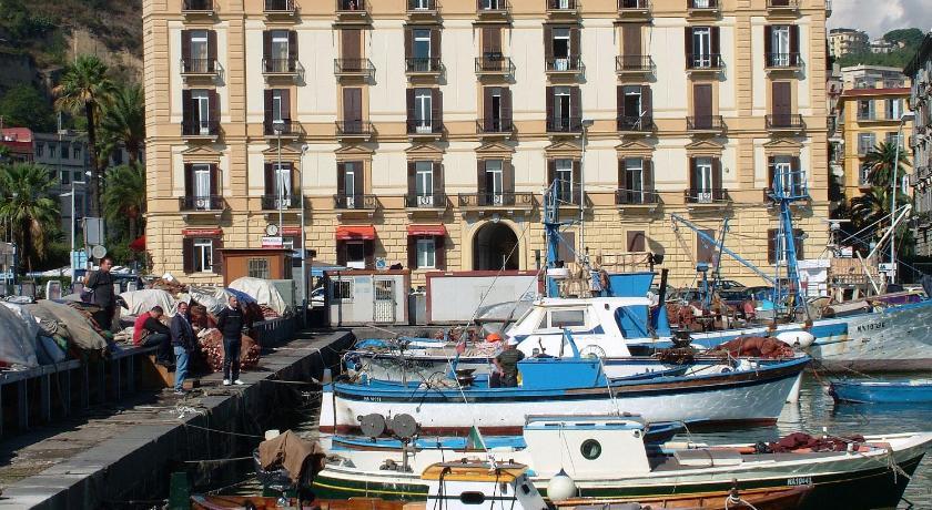 Caracciolo 10 (Neapel)