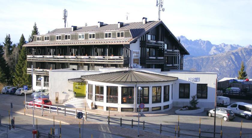 Dolomiti chalet family vason italy for Family hotel dolomiti