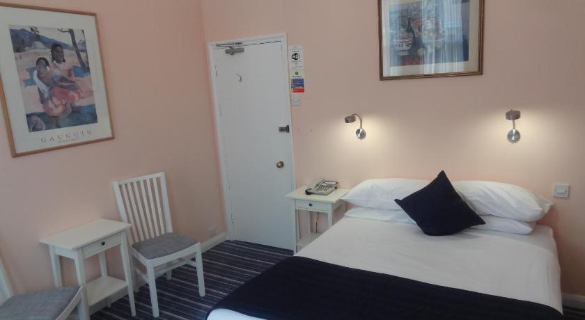London Escorts Near Manor Hotel