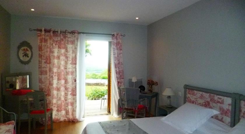 Guesthouse Chambre Du0026#39;Hotes Le Ponsonnet, Saint-Cyprien-sur-Dourdou ...
