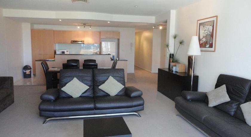 Apartment Glenelg Beachside Apt