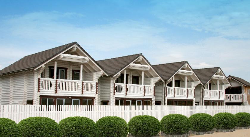 Клуб-отель Белый пляж, Анапа - цены 2 16, бронирование