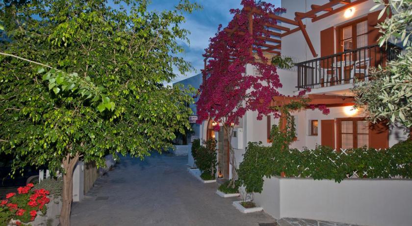 Marisa Rooms, Room, Livadia, Parikia,  Paros, 84400, Greece