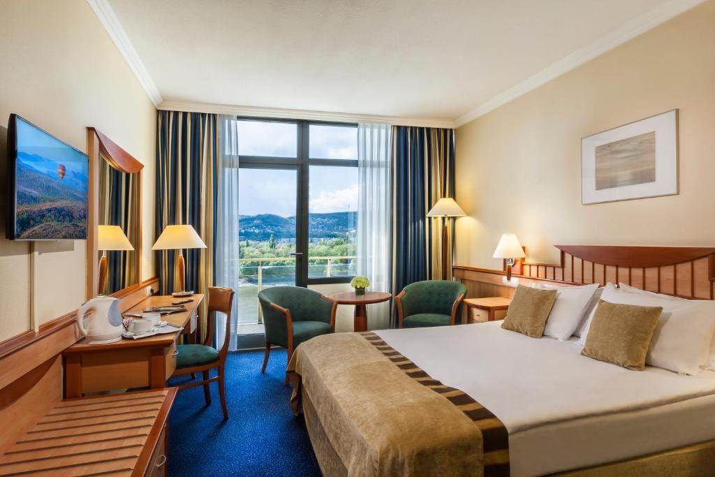 100261937 - Danubius Hotel Helia