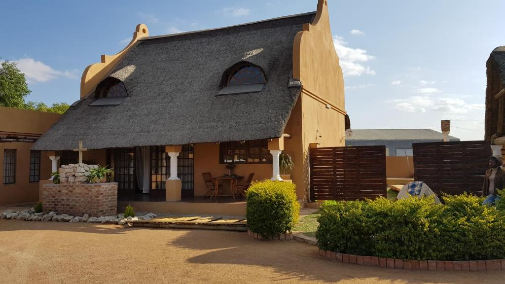 <div data-et-view=NAFQCDCcdXDPdFO:1</div Tlhago Self Catering